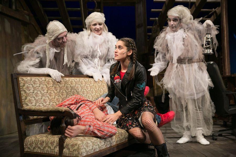 A padlás - a Jókai Színház előadása