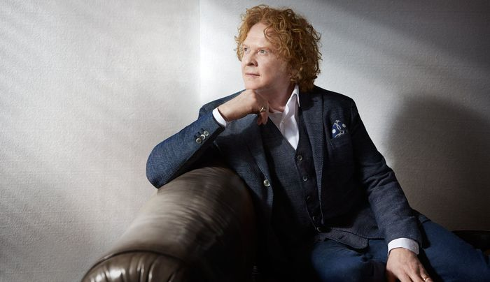 60 éves Mick Hucknall, a Simply Red frontembere