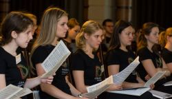 Felvidéken is koncertet ad a Nemzeti Ifjúsági Kórus