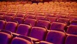 Magyarországon nyitnak a színházak és mozik is