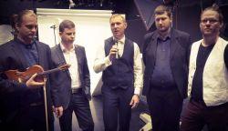 A Parapács zenekar lesz a Fölszállott a páva házigazda zenekara