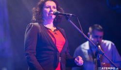 Majorosi Marianna, a Csík Zenekar énekesnője