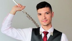 Komáromi fuvolaművész, nemzetközi sikerekkel – Misák Bence saját műveket is komponál