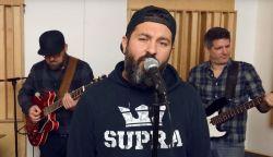 ÚJDONSÁG: Mező Misi énekli Kovács Kati slágerét - Találkozás egy régi szerelemmel