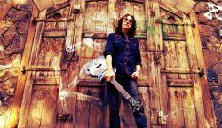 Gwyn Ashton blues gitáros Somorján