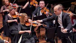 Bach János-passióját is megnézheted az Óbudai Danubia Zenekartól