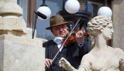 Erkély-koncertsorozat indult a Hagyományok Házában – népzenészek jelentkezhetnek (+VIDEÓ)