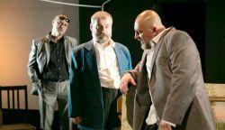 Nézzük otthonról a Komáromi Jókai Színház és a Thália Színház közös előadását Benkő Gézával  - Bányavakság