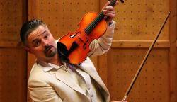 40 éves Lajos András színművész