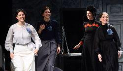 Három nővér – nézzünk díjnyertes színházi előadást a TV-ben
