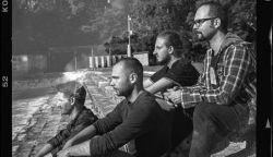 """A gomoly-módszer – Interjú Csiba Gábor """"csibusz"""" szövegíróval, gitárossal, énekessel"""