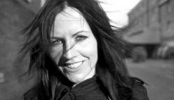 Meghalt Dolores O'Riordan, a The Cranberries énekesnője