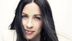 Alanis Morissette októberben Budapesten koncertezik – itt az új dala, a Smiling