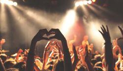 Franciaországban ötezer résztvevővel megtarthatók a nyári fesztiválok