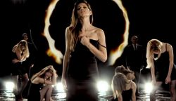 ÚJDONSÁG: Klippel indítja az őszt a Group'n'Swing - Szeretni fáj